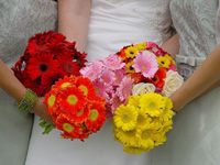 do your own wedding flower bouquets